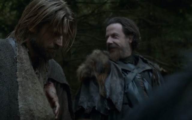 Jaime y su mano colgando al cuello - Juego de Tronos en los siete reinos