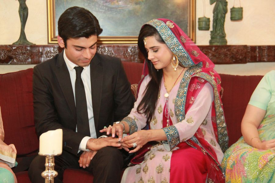 Zindagi Gulzar Hai Episode 2 HUM TV Drama (Full Episode)