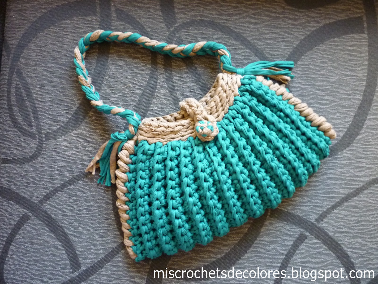 Mis crochets de colores bolso trapillo for Bolsos de crochet de trapillo