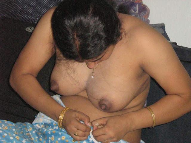 Desi NIPPLE AND BOOBS photos (70 photos)   part 2   nudesibhabhi.com