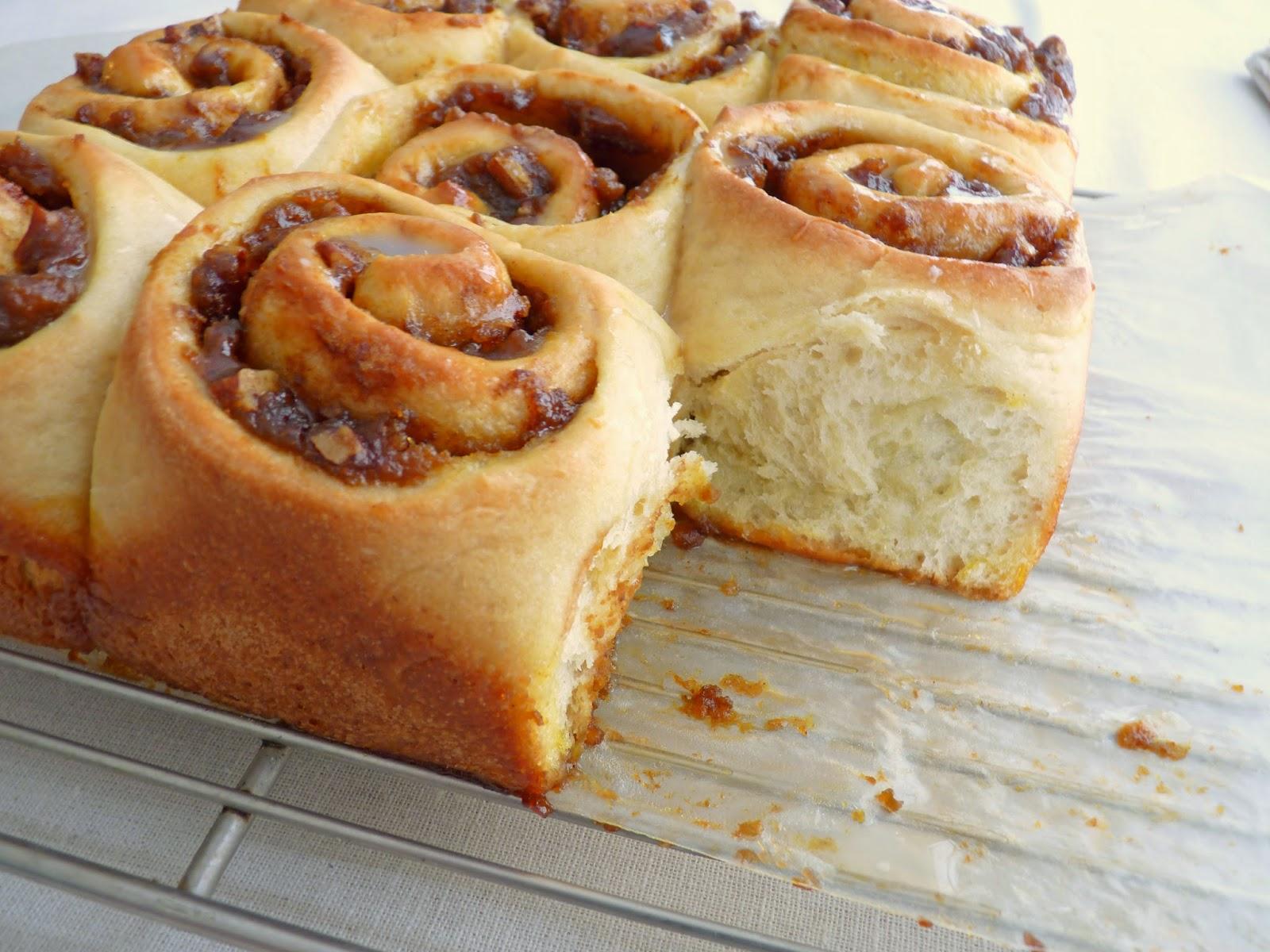 pastry studio: Pumpkin Pecan Cinnamon Rolls