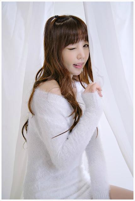 4 Hong Ji Yeon in Fluffy White-Very cute asian girl - girlcute4u.blogspot.com