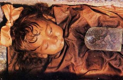Ροζαλία, ετών δύο: η ωραιότερη μούμια του κόσμου..