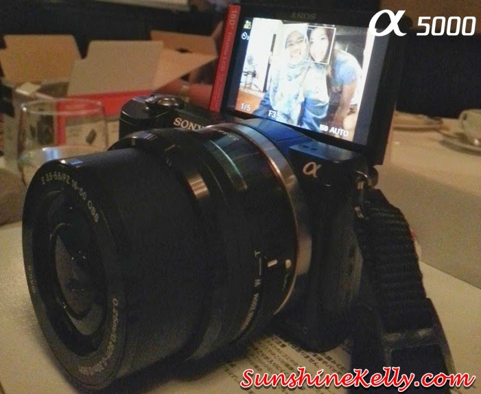 Sony Alpha 5000 Lifestyle Camera Review, Camera review, Sony Alpha 5000 pink, sony alpha 5000, 180° tiltable LCD screen, easy for selfies, sony alpha, selfie