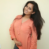 Ishika Singh New Photos 16