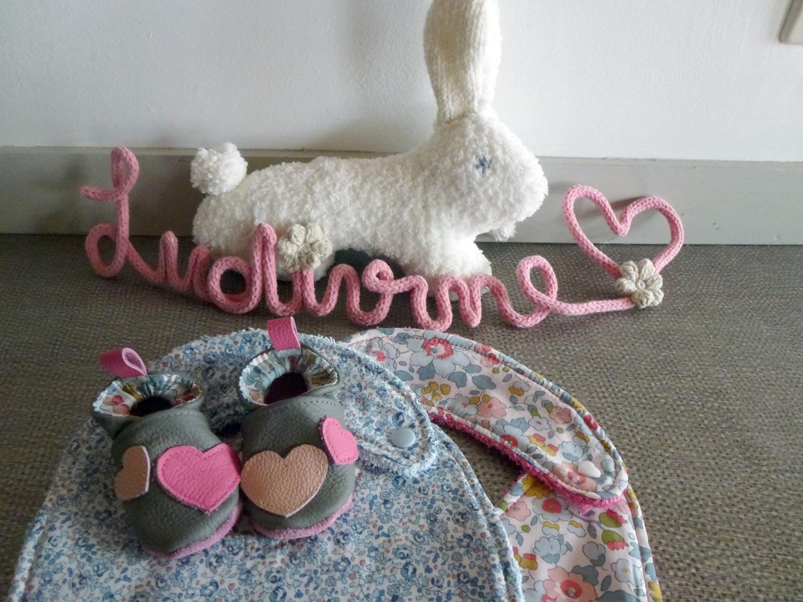 les p 39 tits bidules de claire pr nom en tricotin. Black Bedroom Furniture Sets. Home Design Ideas