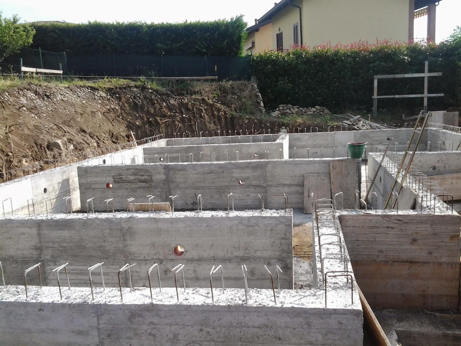 Fasi di costruzione la nostra casa di legno a montonate for Muretto recinzione dwg