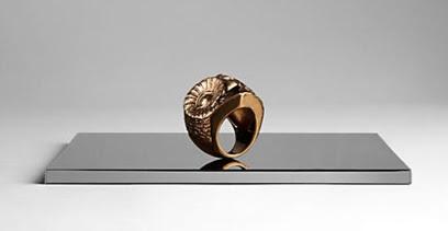 d572c092aa5 Voilà  Nova coleção de jóias da Burberry!!!