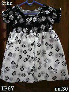 gaun bunga bunga hitam & putih