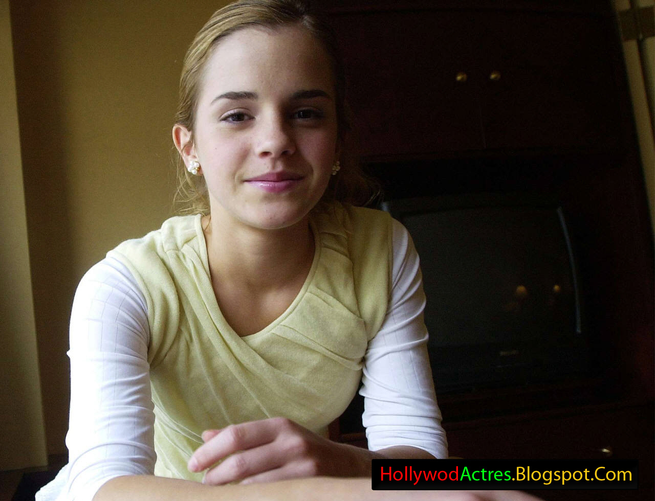 Hollywood Actress: Emma Watson Hollywood Actress HD Wallpapers
