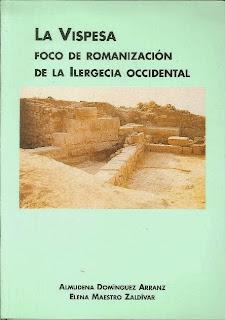 Almudena Domínguez y Elena Maestro publicando el libro: La Vispesa