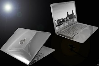 Macbook Air Supreme ice Edition seharga $200,000 Dollar