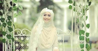 Foto Model Baju Muslim Oki Setiana Dewi Terbaru 2016