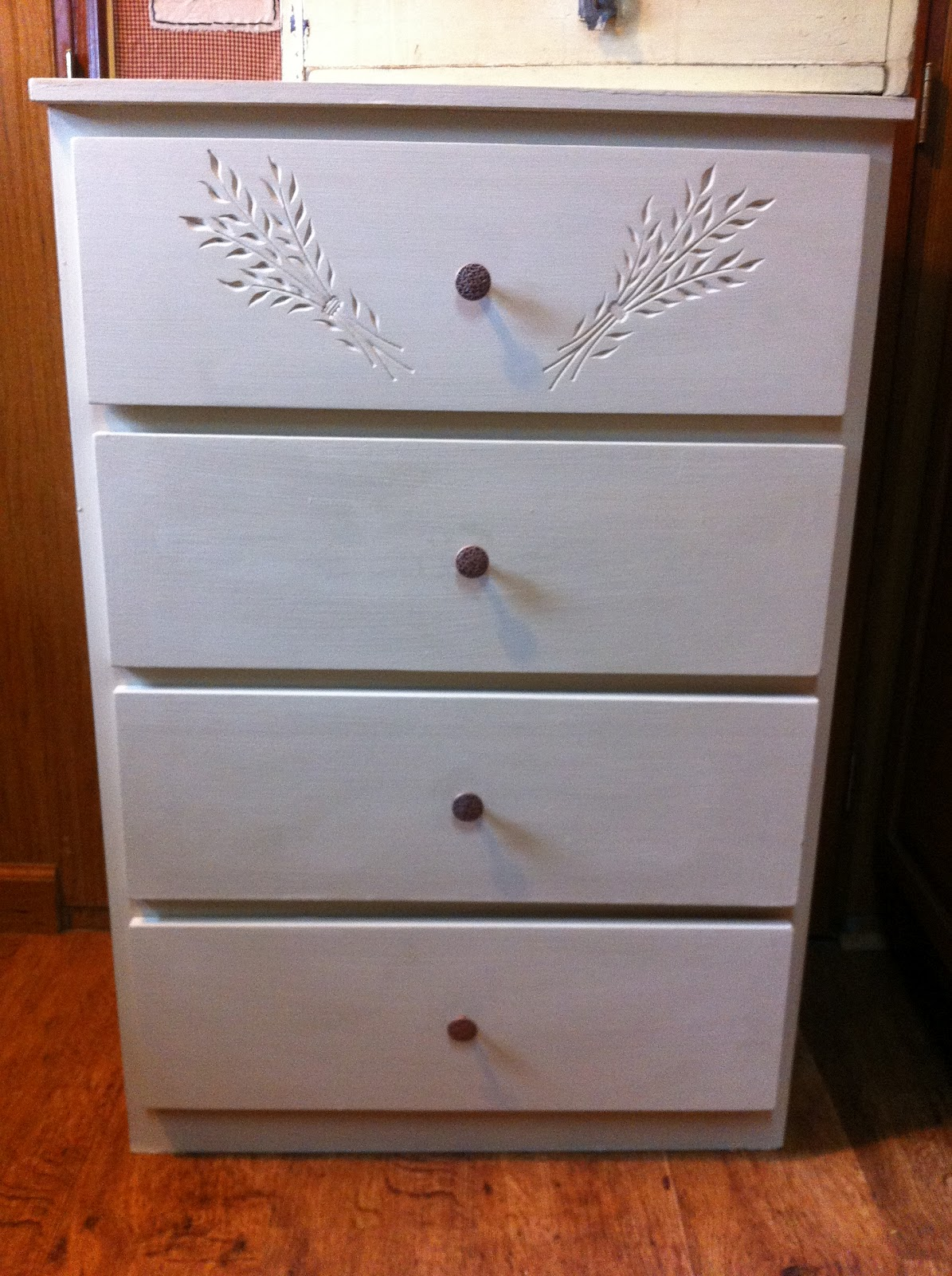 Mommy In The 39 Dale Furniture Finish Examples Of Completed