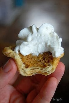http://pinterest.individuali-celojumi.lv/thanksgiving-desserts-pumpkin-mini-pumpkin-pies-great-idea-for-thanksgiving-dessert-table-foodie/