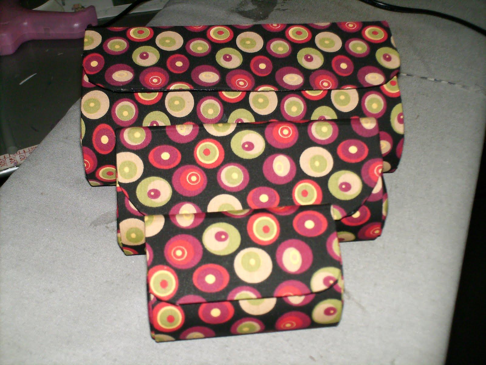 Bolsas Em Cartonagem R   45 00 Este Kit E Formado Por Bolsa Necesserie