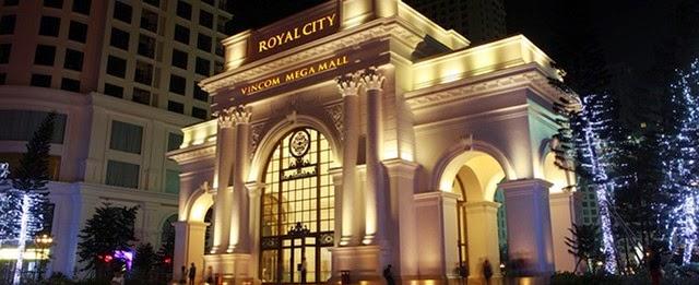 Cổng vào căn hộ R1, R2 royal city