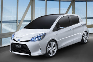 Toyota Yaris Hybrid Picture Gallery