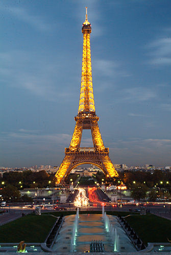 Steps To Eiffel Tower Top : Eiffel tower paris france top hd wallpapers