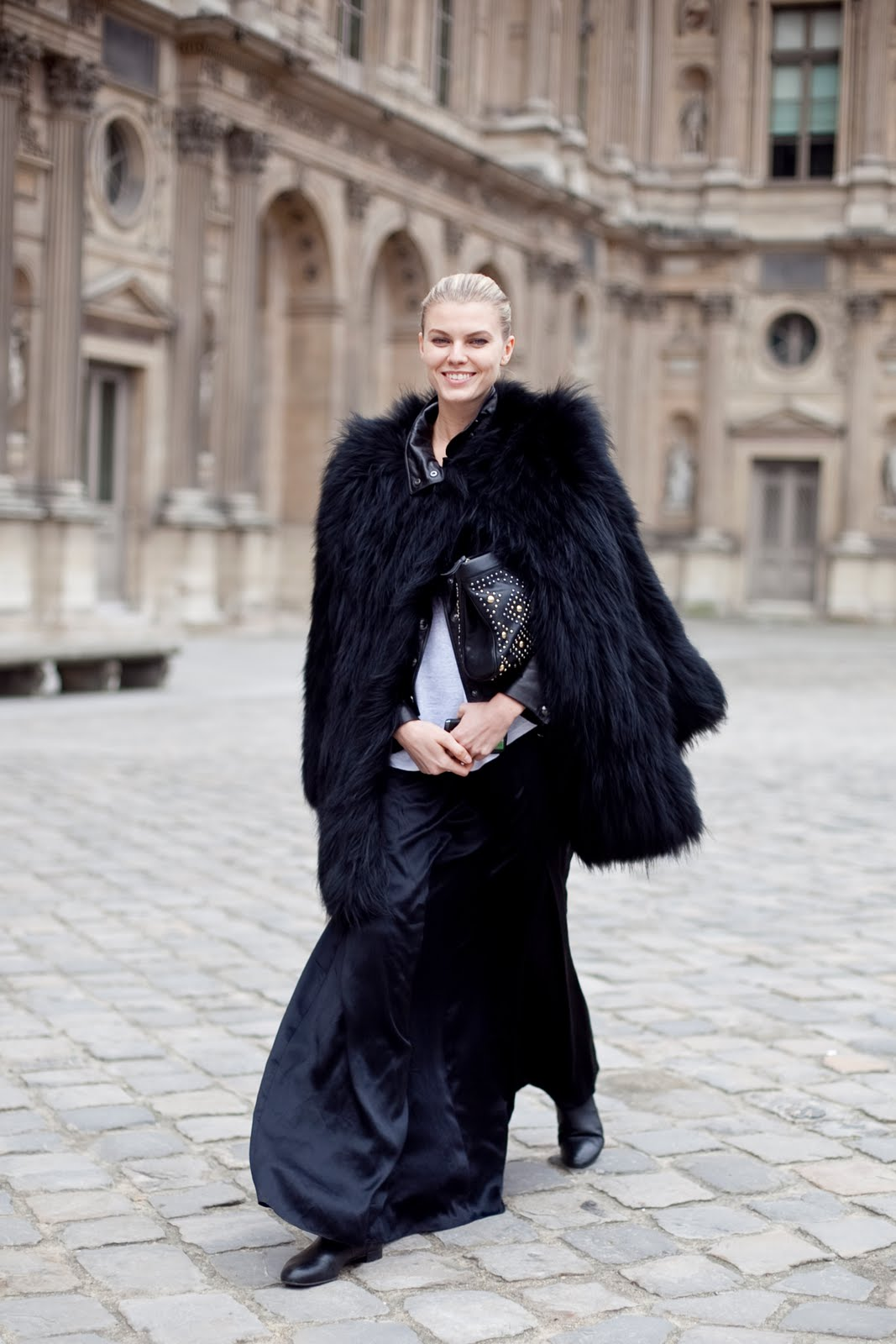 http://4.bp.blogspot.com/-HAl-dVEUHL4/TfY9Xeku07I/AAAAAAAAEQA/Mmqf88fVRAo/s1600/la+modella+mafia+Streetstylin+Maryna+Linchuk+via+altamira.jpg