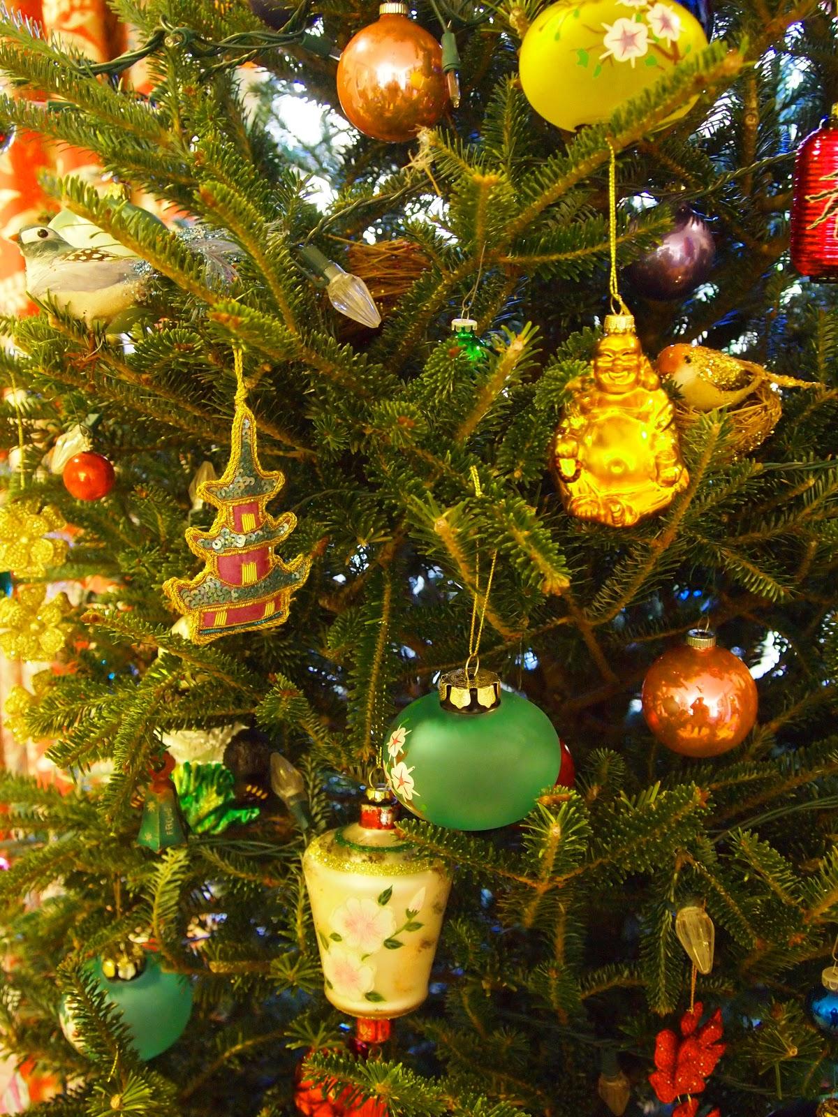 Chic Christmas Ornaments