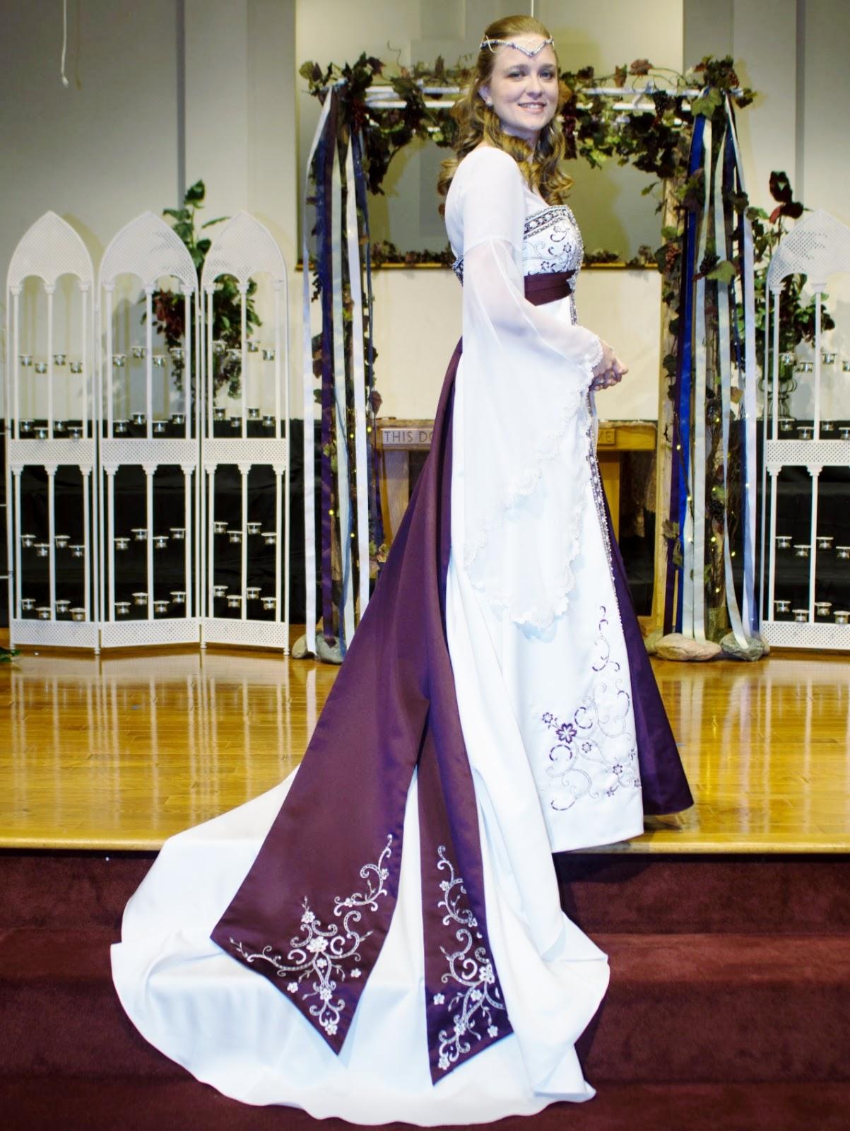 Arwen Wedding Dress 55 Marvelous Amy is wearing a