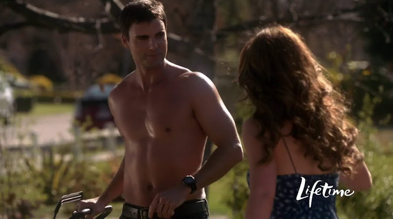 Colin Egglesfield Shirtless in The Client List s1e01