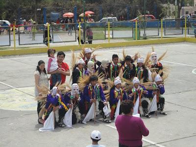 Danza Sarge - IX Concurso de Danzas Instituto Hipolito Unanue 2011