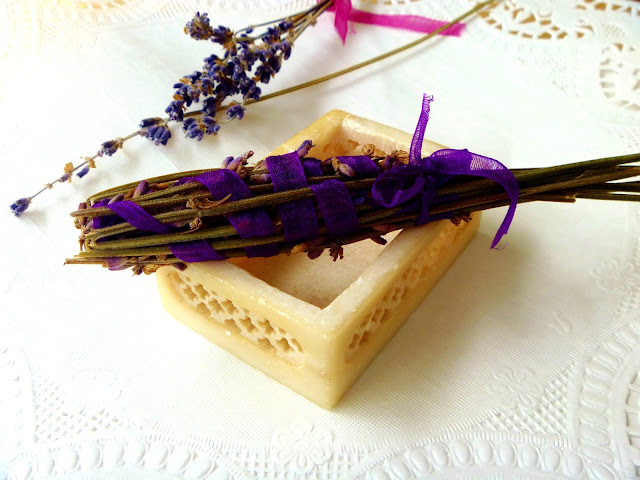 finished homemade dried lavender wand gift idea on Gave That