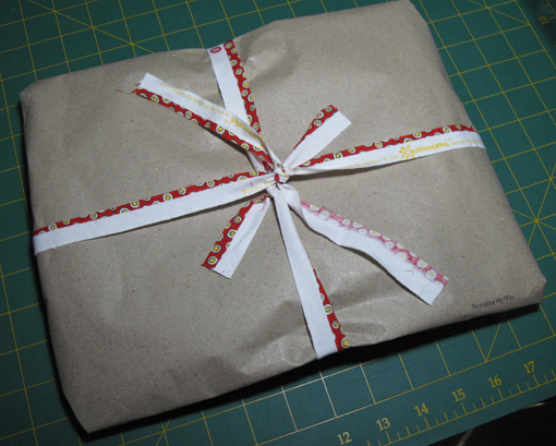 Turn your selvedges and offcuts into ribbons for Gift Wrapping ~ Threading My Way