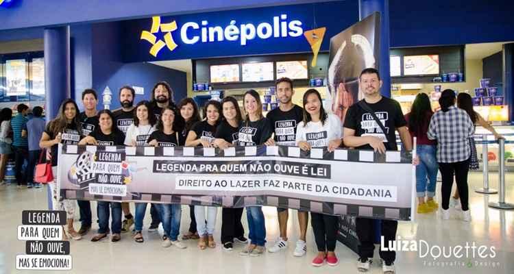 Integrantes do movimento pela acessibilidade nos cinemas