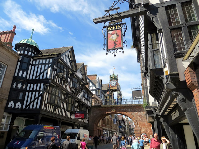 roman, medieval, Chester, Cheshire, uk, travel, travel blog, history, grade 1 listed, cathedral, walls, rows, beautiful, England, English, old, city, city walls, games of thrones, kings, historical, river dee, norman, conquest, invasion,