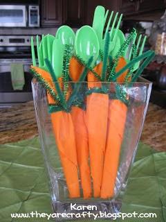 http://theyarecrafty.blogspot.ca/2012/04/carrot-napkins.html