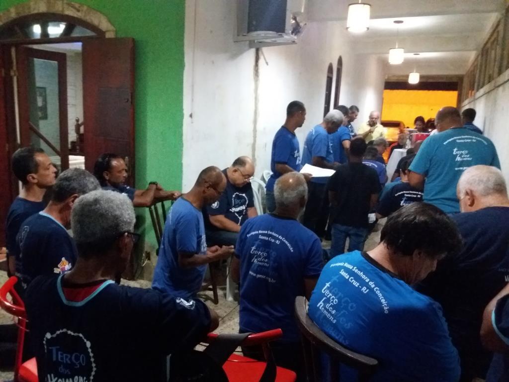 TERÇO NA CASA DO NOSSO AMIGO ROBSON EM 30/10/2017