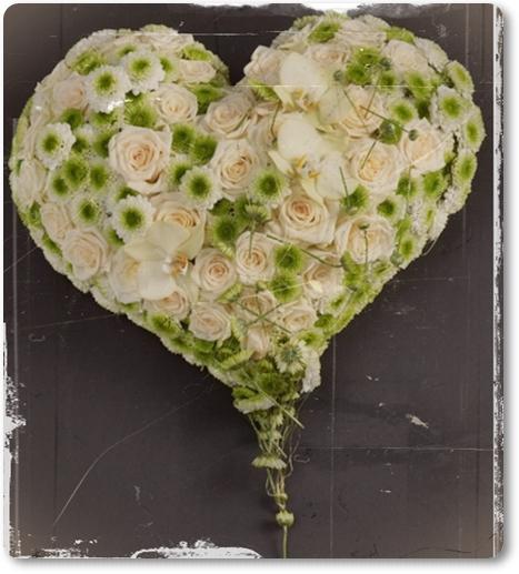 blomsterhjärta, hjärta till begravning, begravningsdekoration