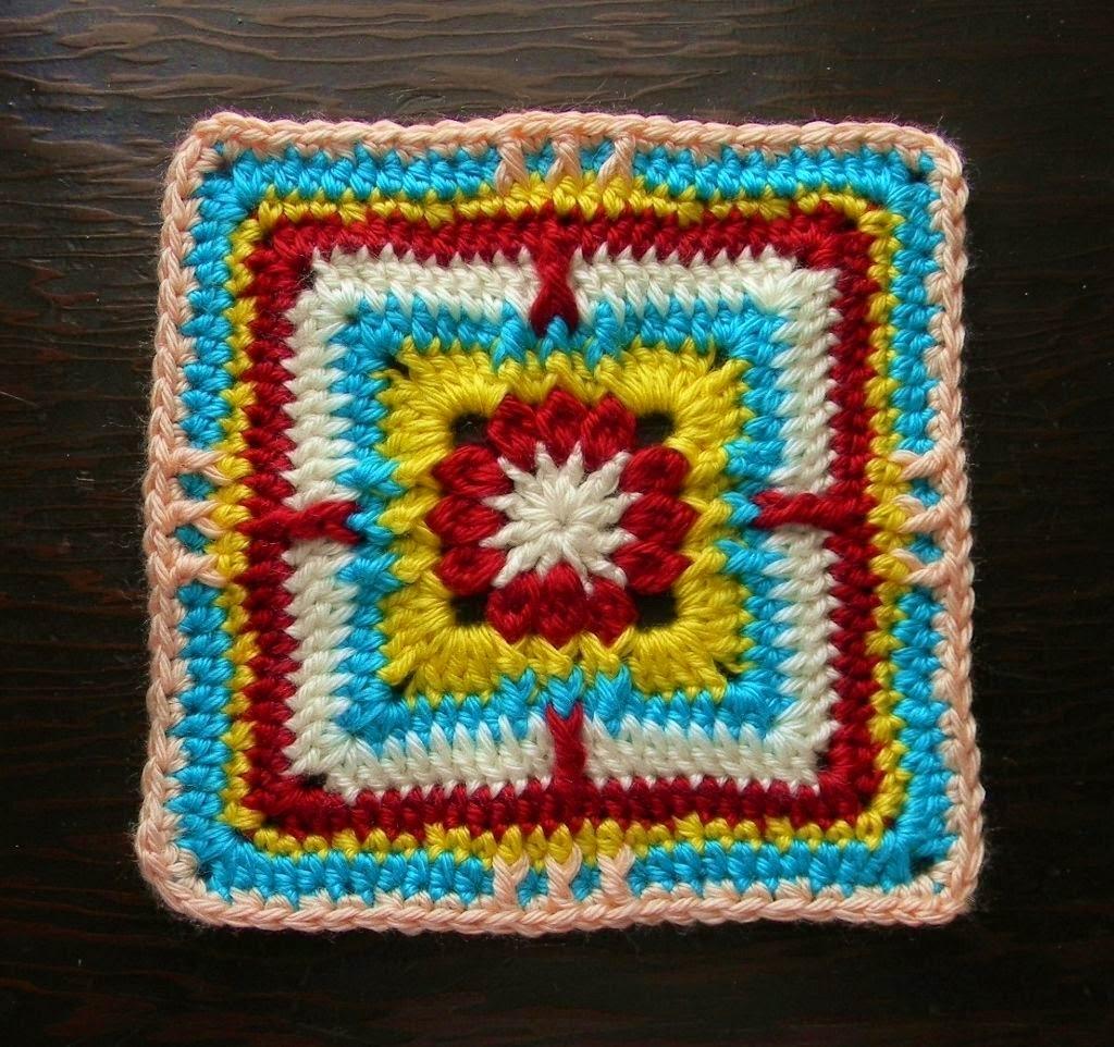 Free crochet pattern - Clusteray Granny Square