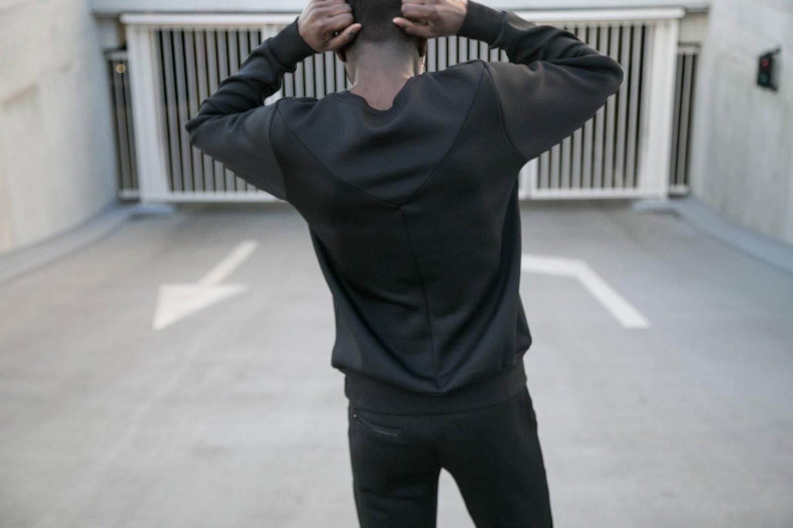 JONTHEGOLD minimal black neoprene tracksuit with zero uv flip up steampunk sunglasses antwerp blogger