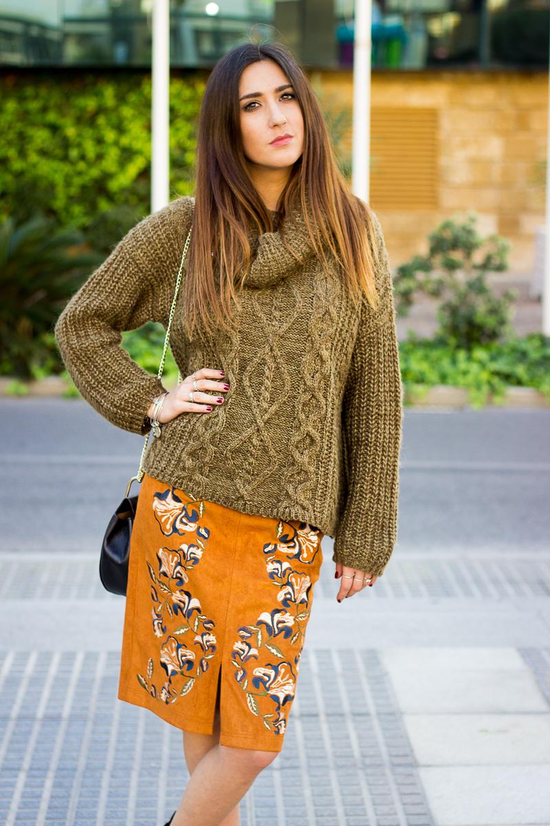 mustar skirt