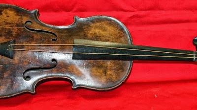 Titanic, violin, Wallace Hartley, Henry Aldridge and Son