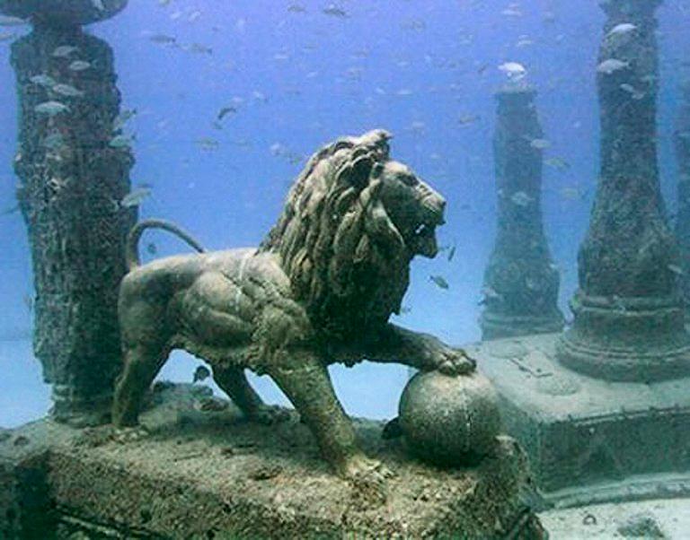 Héracléion, une cité égyptienne engloutie, révèle des secrets vieux de 1200 ans Egipt-+Thonis-Heracleion-atlandida7.1