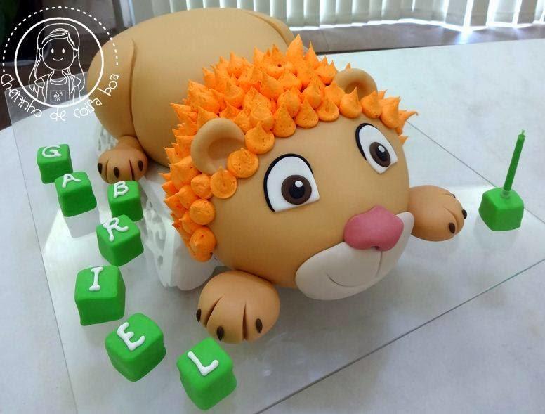 Bolo esculpido, leão