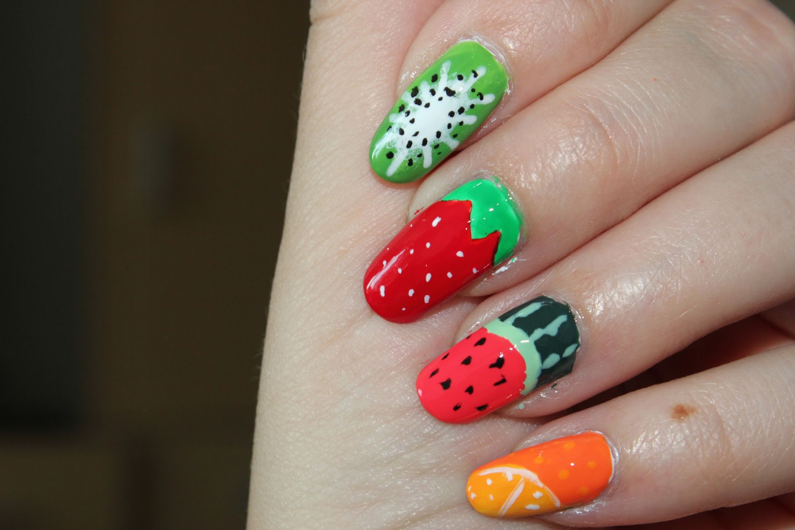 http://lacquediction.blogspot.de/2014/07/notd-fruity.html