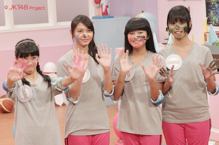 Cindy , Ve , ochi , diasta at JKT48 school episode 2