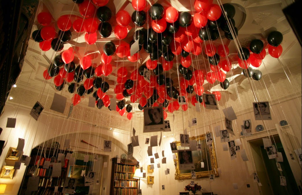 Balloons with names at the merger party in 2007