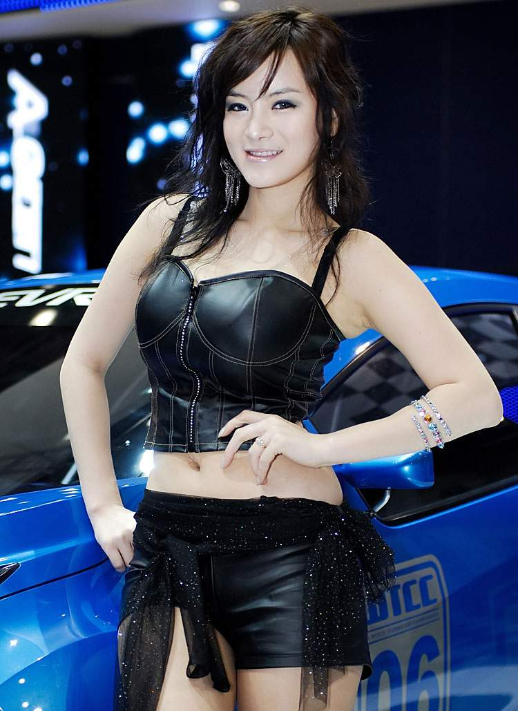 Style Of Vehicle Or Even One Type Of Automobile Girlsautos - Asian car show girls