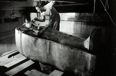 Mayat firaun ditemukan dalam kondisi alat kelamin berdiri