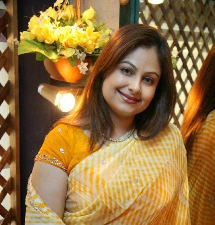 Ayesha Jhulka HD Wallpaper