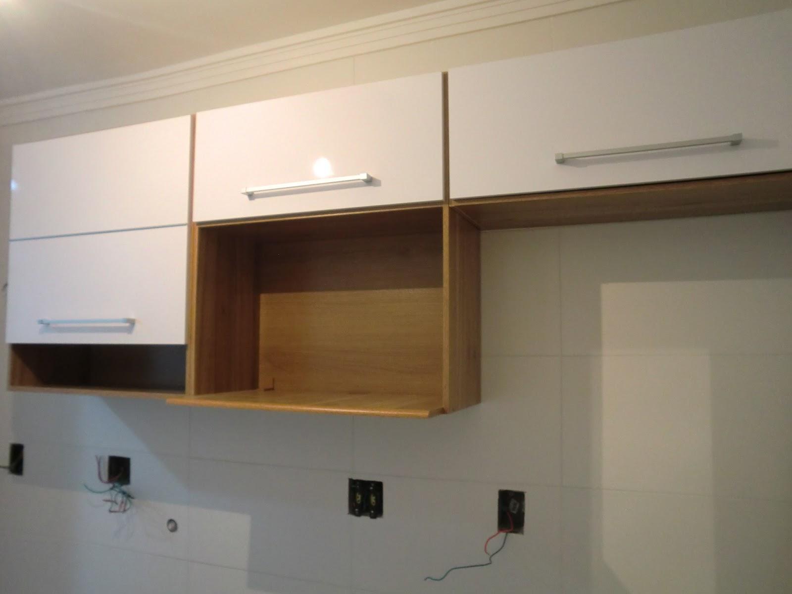 Cozinha reformada com moveis armarios prontos Bartira Casa e Reforma #684A28 1600 1200