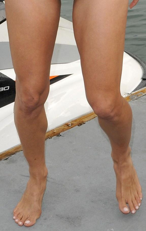 pamela adlon feet - photo #4