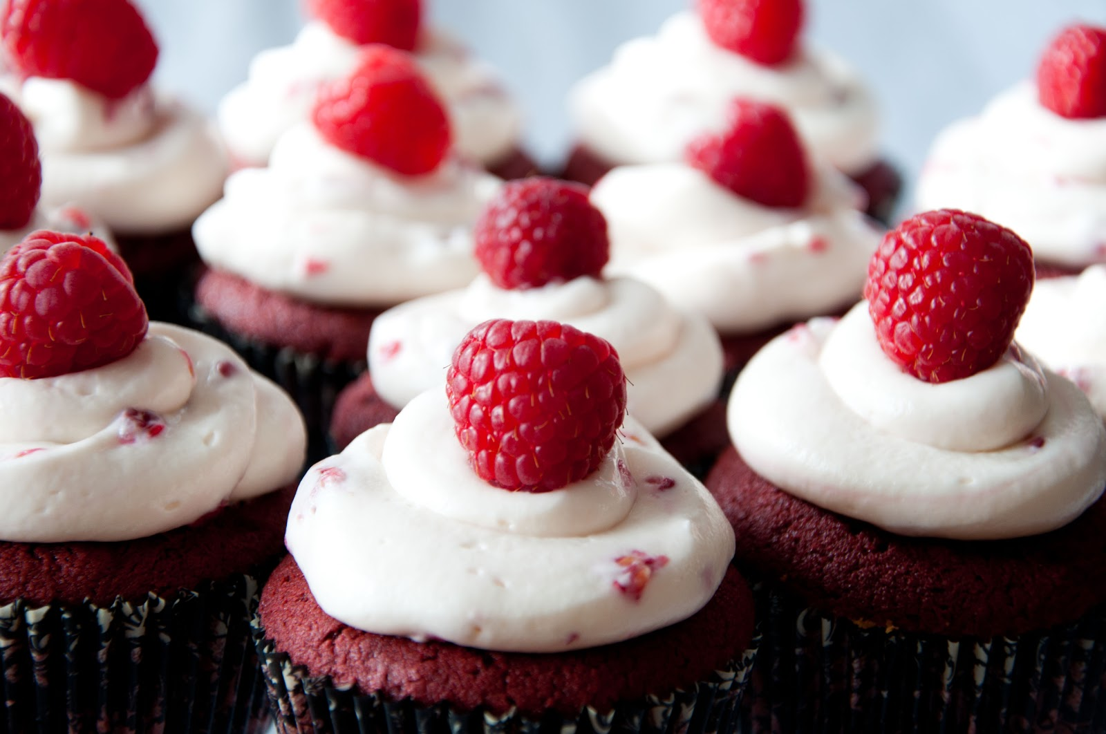 ... Red Velvet Cupcake w/Raspberry Marshmallow Cream Cheese Frosting